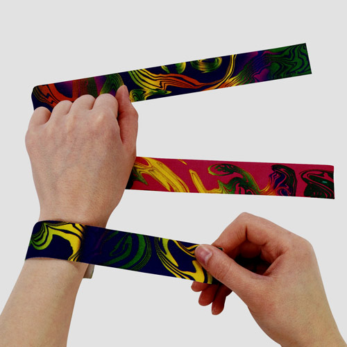 I ♥ 1990s answer: SLAP BRACELETS