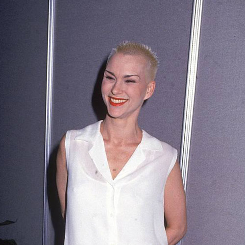 I ♥ 1990s answer: SUSAN POWTER