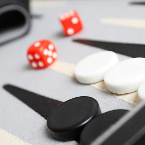 Spiele answer: BACKGAMMON