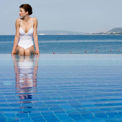 Urlaub answer: INFINITY POOL