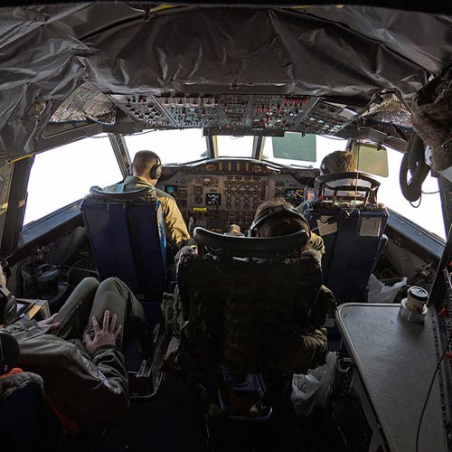 Weltall answer: COCKPIT