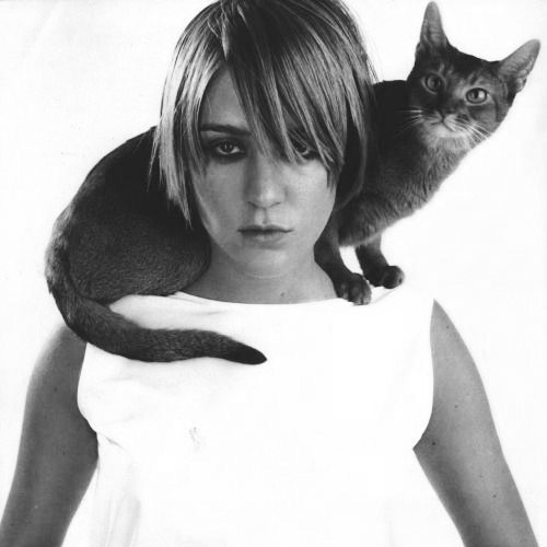 Cat Lovers answer: CHLOE SEVIGNY