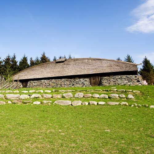 Dwellings answer: LONGHOUSE
