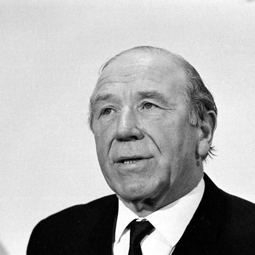 Football Test answer: MATT BUSBY