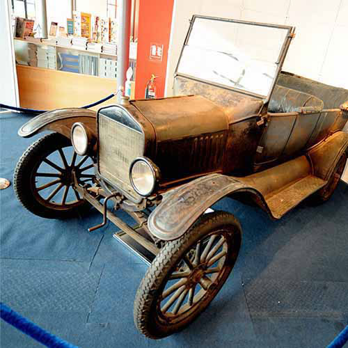 History answer: FORD MODEL T