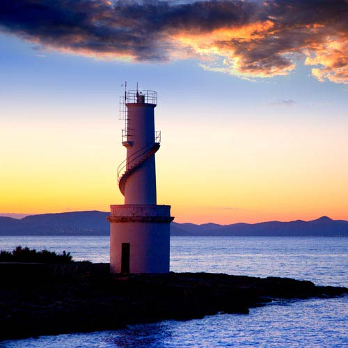 Holidays answer: LIGHTHOUSE