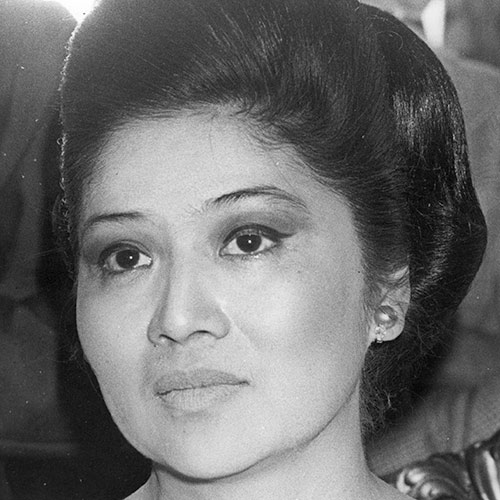 Icons answer: IMELDA MARCOS