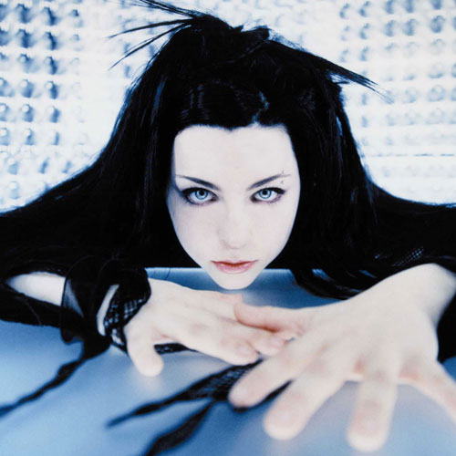 I ♥ 2000s answer: EVANESCENCE