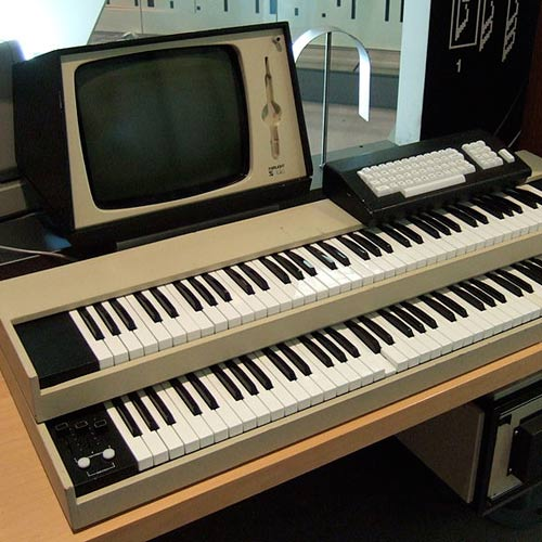 Instruments answer: SYNTHESIZER