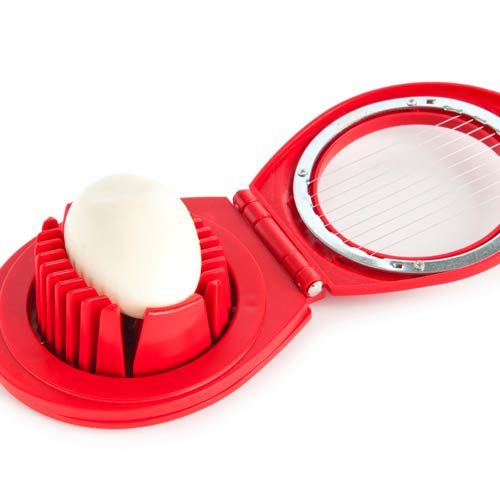 Kitchen Utensils answer: EGG SLICER