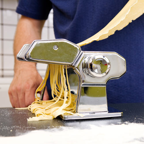 Kitchen Utensils answer: PASTA MACHINE