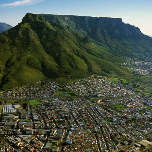 Landmarks answer: TABLE MOUNTAIN
