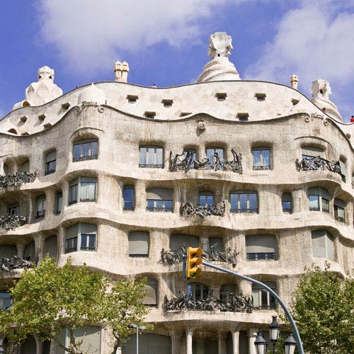 Landmarks answer: CASA MILA