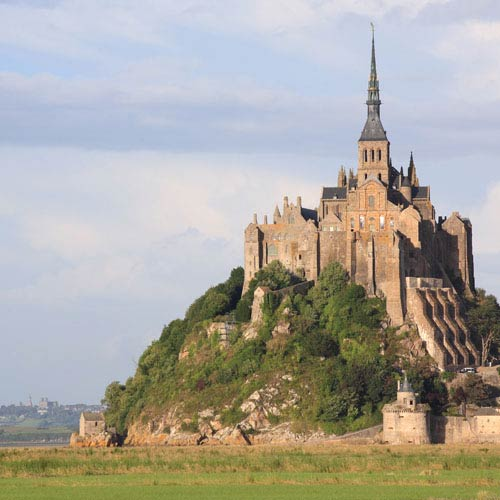 Landmarks answer: MONT ST MICHEL