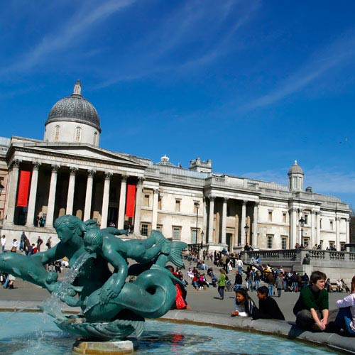 Landmarks answer: TRAFALGAR SQ