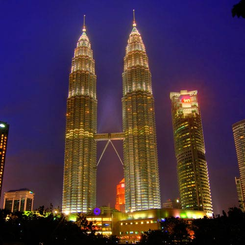 Landmarks answer: PETRONAS TOWERS