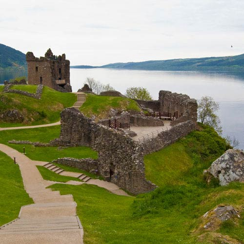 Landmarks answer: URQUHART CASTLE