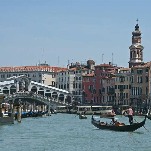 Landmarks answer: RIALTO BRIDGE