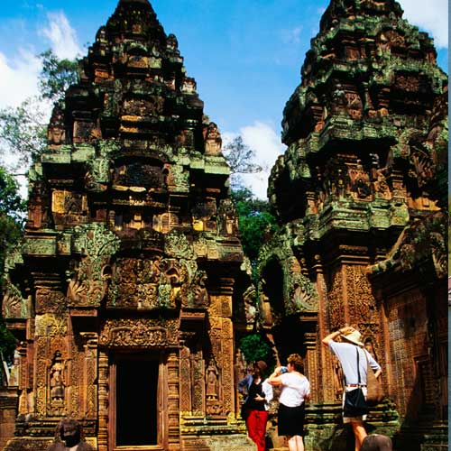 Landmarks answer: ANGKOR WAT