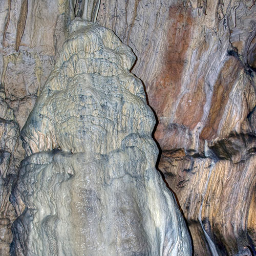 Nature answer: STALAGMITE