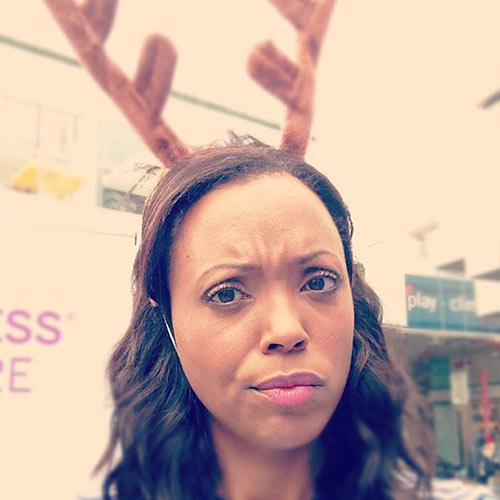Profile Pics answer: AISHA TYLER