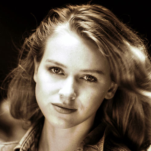 Star Throwbacks answer: NAOMI WATTS