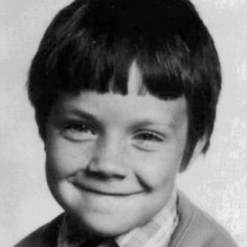 Star Throwbacks answer: ROBBIE WILLIAMS
