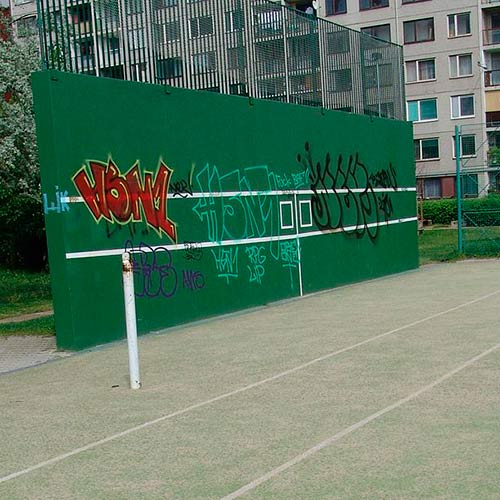 Tennis answer: PRACTICE WALL