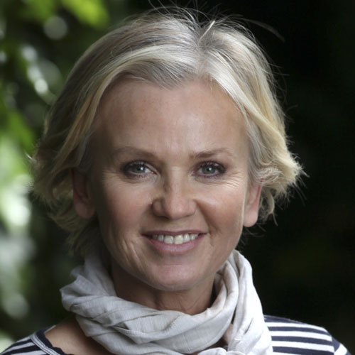 TV Stars answer: LISA MAXWELL