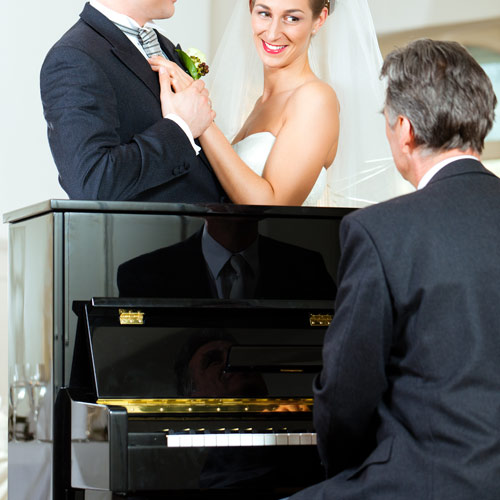 Weddings answer: PIANIST