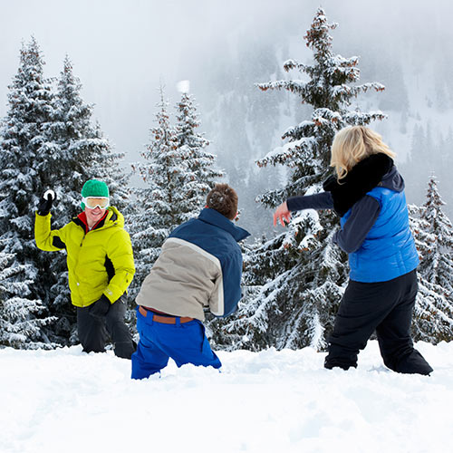 Winter answer: SNOWBALL FIGHT