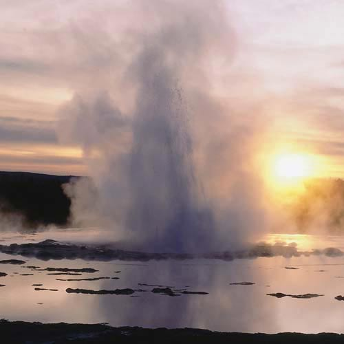 Amérique du Nord answer: GEYSER
