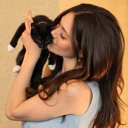 Cat Lovers answer: EMMY ROSUM