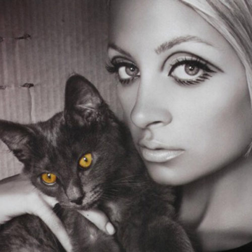 Cat Lovers answer: NICOLE RICHIE