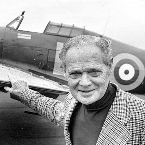 Histoire answer: DOUGLAS BADER