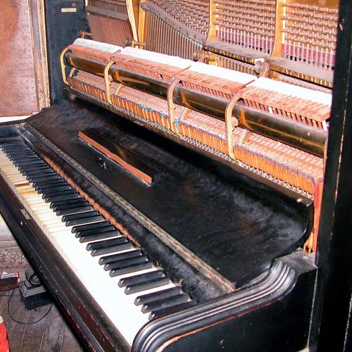 Instruments answer: PIANO DROIT