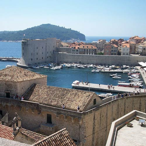 Monuments answer: DUBROVNIK