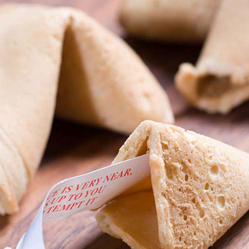 Nourriture answer: FORTUNE COOKIES