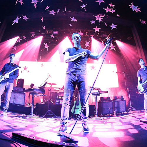 Stars de la Pop answer: COLDPLAY