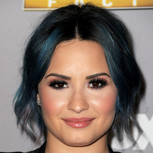 Stars de la Pop answer: DEMI LOVATO