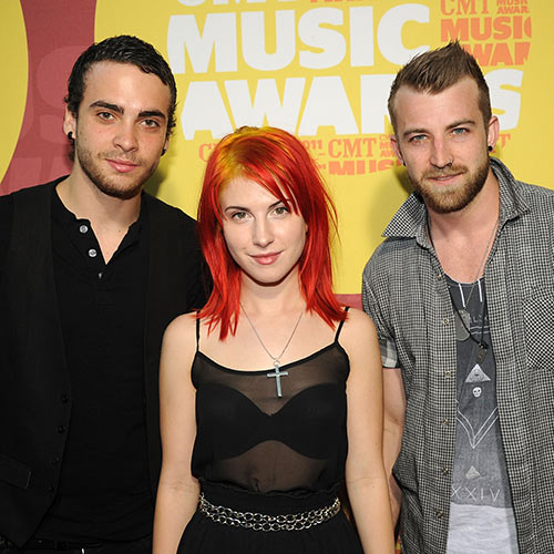 Stars de la Pop answer: PARAMORE