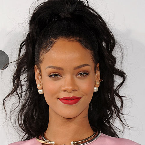 Stars de la Pop answer: RIHANNA